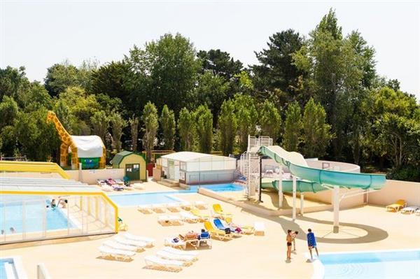 Camping Espace Aquatique Pr S De Briec De L 39 Odet Camping