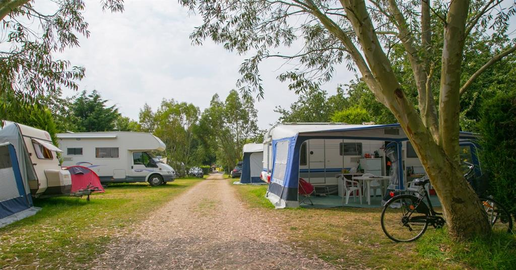 Camping  toiles Bord De Mer Benodet Avec Espace Aquatique